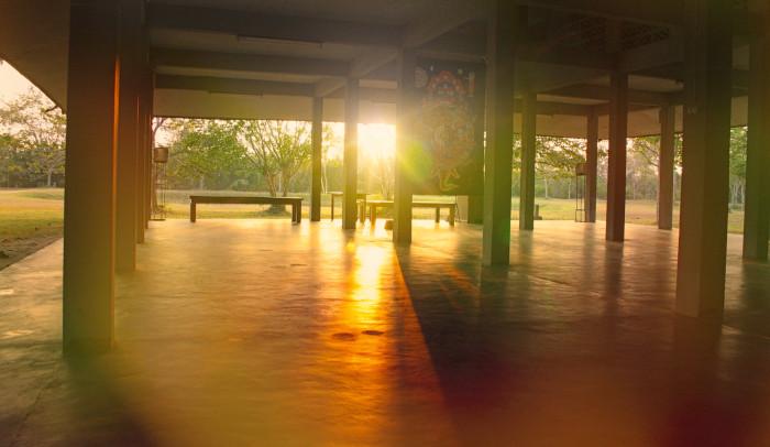 Ráno v kláštore Suan Mokh