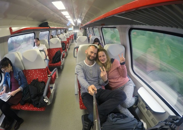 vlak Trenčín - Bratislava. SLOVENSKO