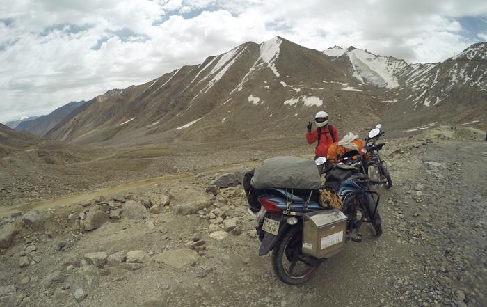 Na motorke cez Himaláje. Rohtang pass na 110cc motorke.